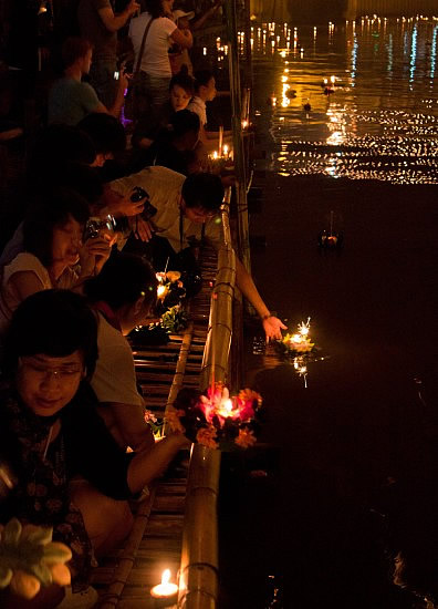 Launching of Kratong, Ping River, Chiang Mai, 21st Nov 2010