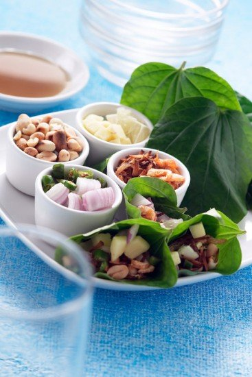 Miang Kam using Betel Leaf