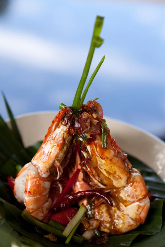 Thai Spicy Tamarind Shrimp Recipe Kung Yai Pad Som Makahm Bpiak